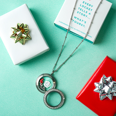 Another Living Locket example from Origami Owl via skiptomylou.org ... | 375x375