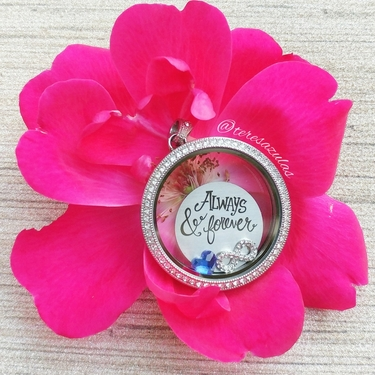 How to Build an Origami Owl Locket