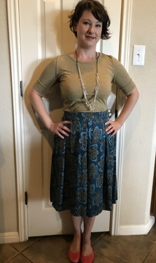 Boldness in Fashion While Keeping it Classy in LuLaRoe Gigi
